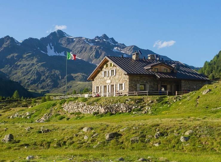 Federico in Dosdè alpine hut