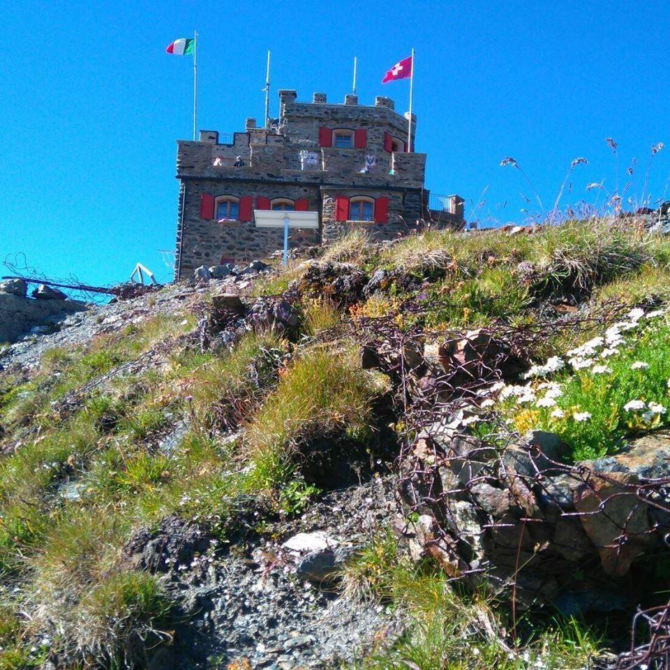 Garibaldi Dreisprachenspitze Alpine Hut