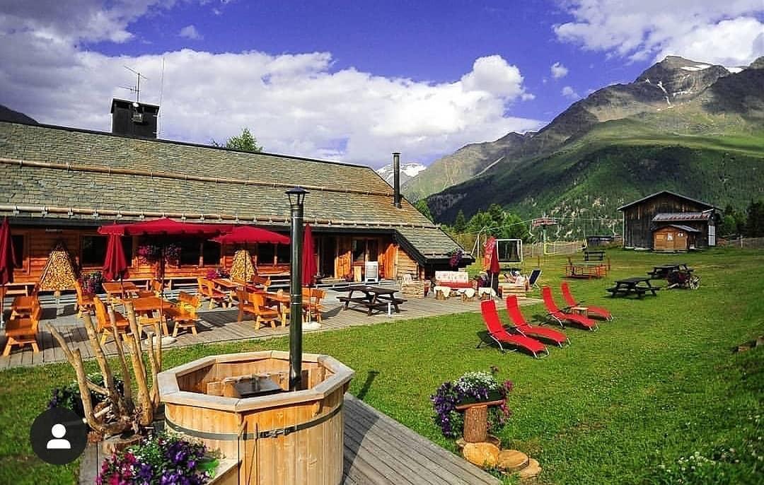 Sci 2000 Mountain Restaurant