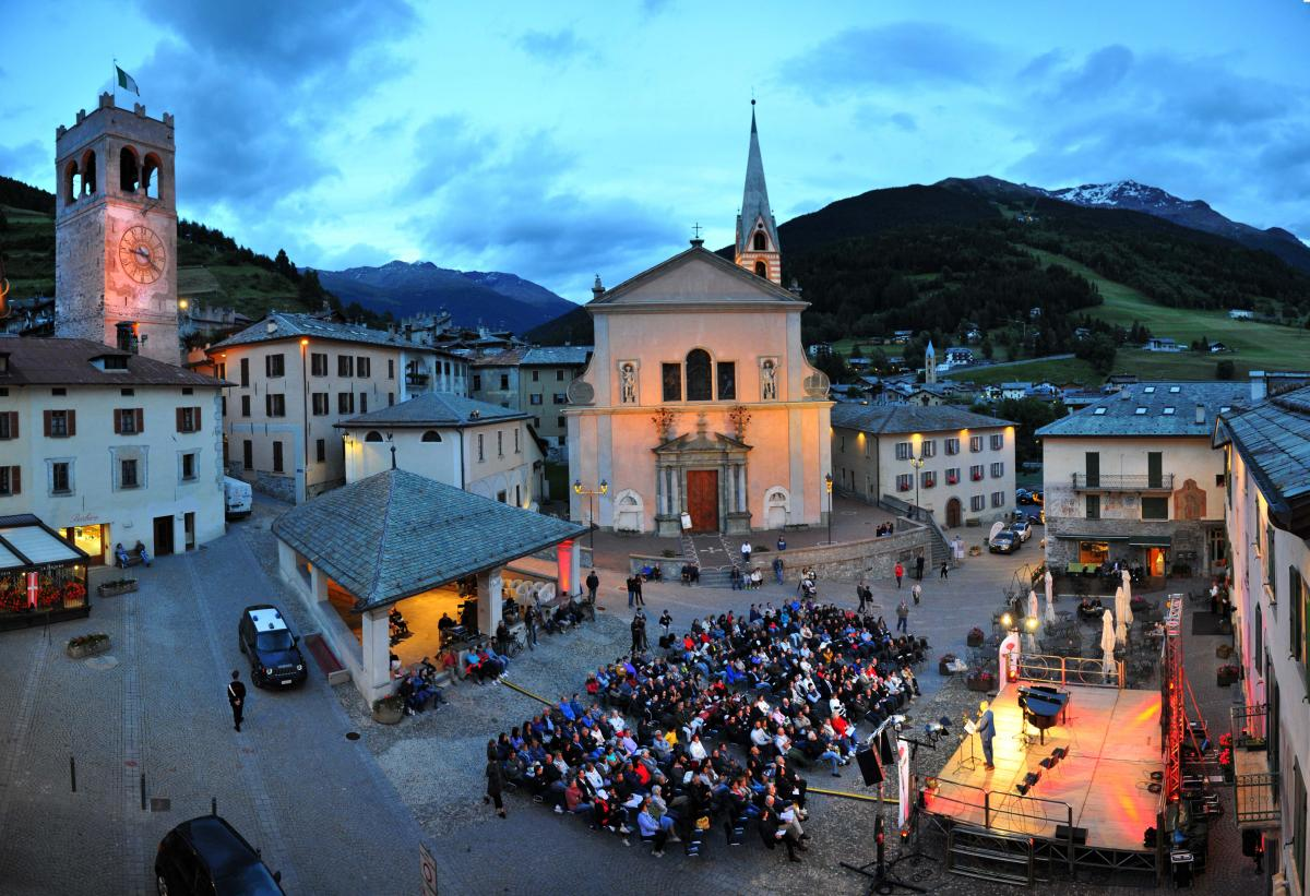 La Milanesiana, evento culturale nel centro storico di Bormio